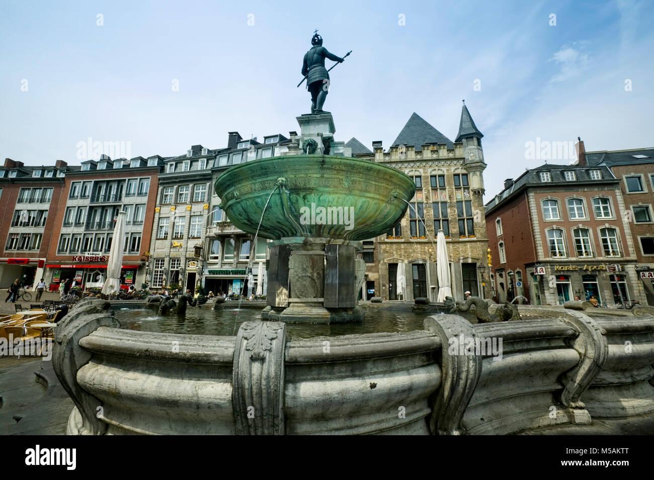 Karl der Große Brunnen, Aachen oder Aix-la-Chapelle, Nordrhein-Westfalen, Deutschland Stockbild