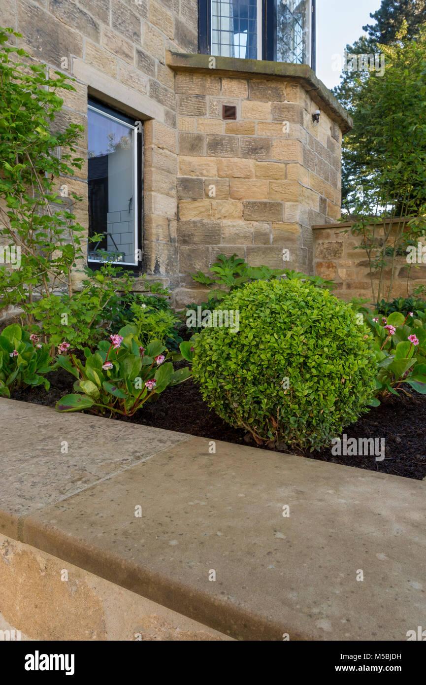 Kleine Ecke Des Schonen Gepflegten Privaten Garten Mit