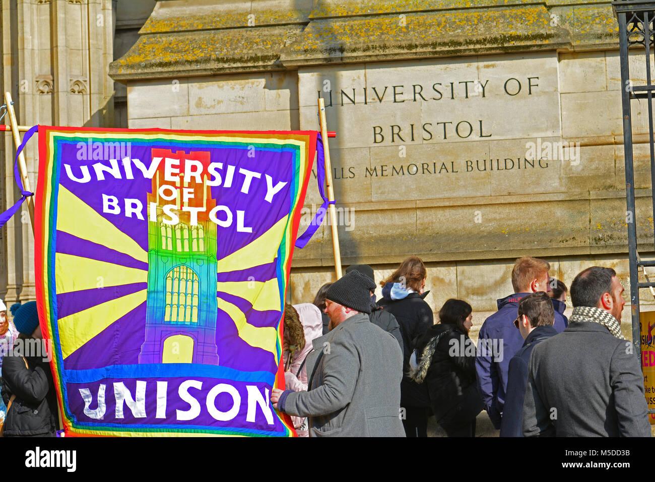 Bristol, UK. 22. Februar, 2018. Der Universität Bristol top der Park Street, Wills Memorial Building, wo die Stockbild