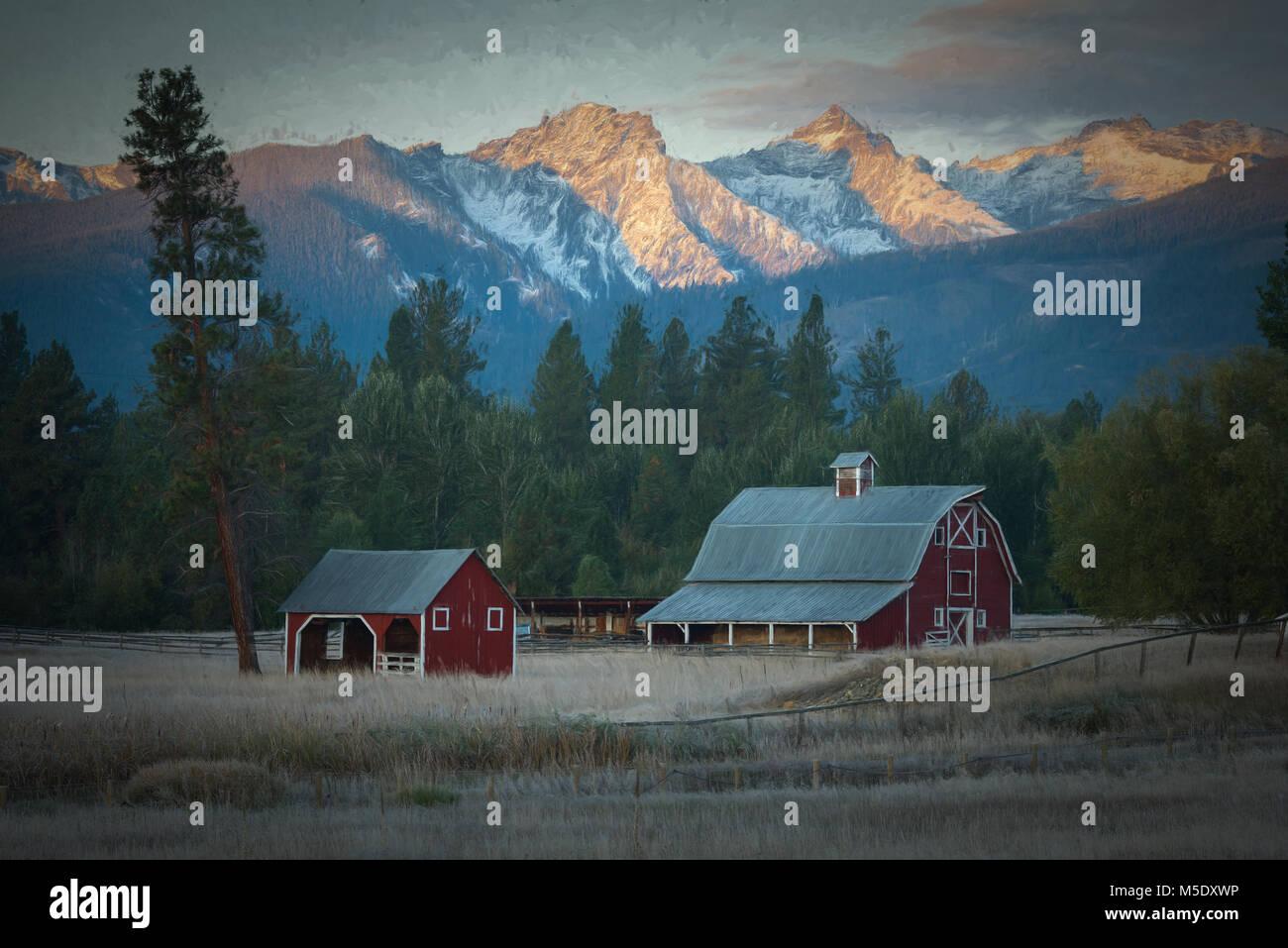 Nordamerika, Rocky Mountains, Montana, Bitteroot Tal, Bauernhof bei Sonnenaufgang Stockbild