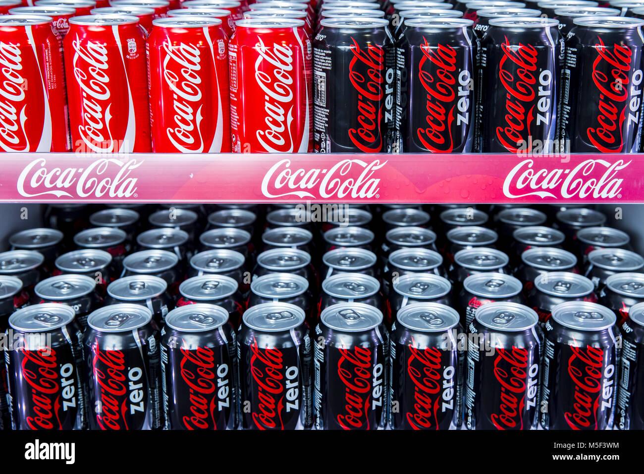 Kühlschrank Coco Cola : Belgrad serbien 28 th 2015 editorial foto von coca cola und coca