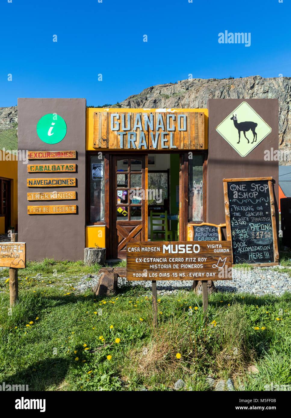 Reisebüro und Museum; kleinen Bergdorf El Chaltén; Startpunkt, Cerro Torre und Cerro Fitz Roy, Patagonien, Stockbild