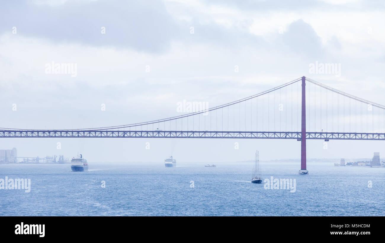 Lissabon Fluss lissabon fluss simple tajo bei toledo spanien with lissabon fluss