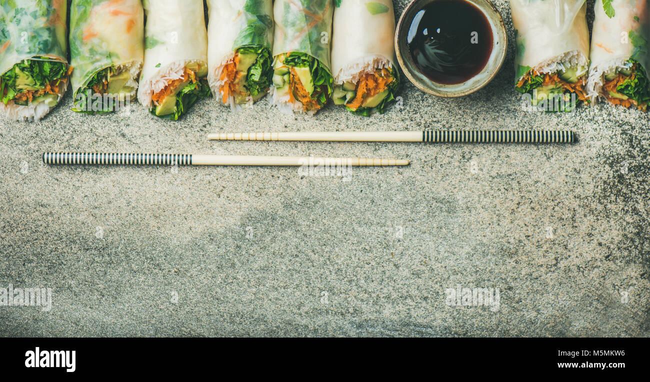 Thai Chinese Fresh Spring Roll Stockfotos & Thai Chinese Fresh ...