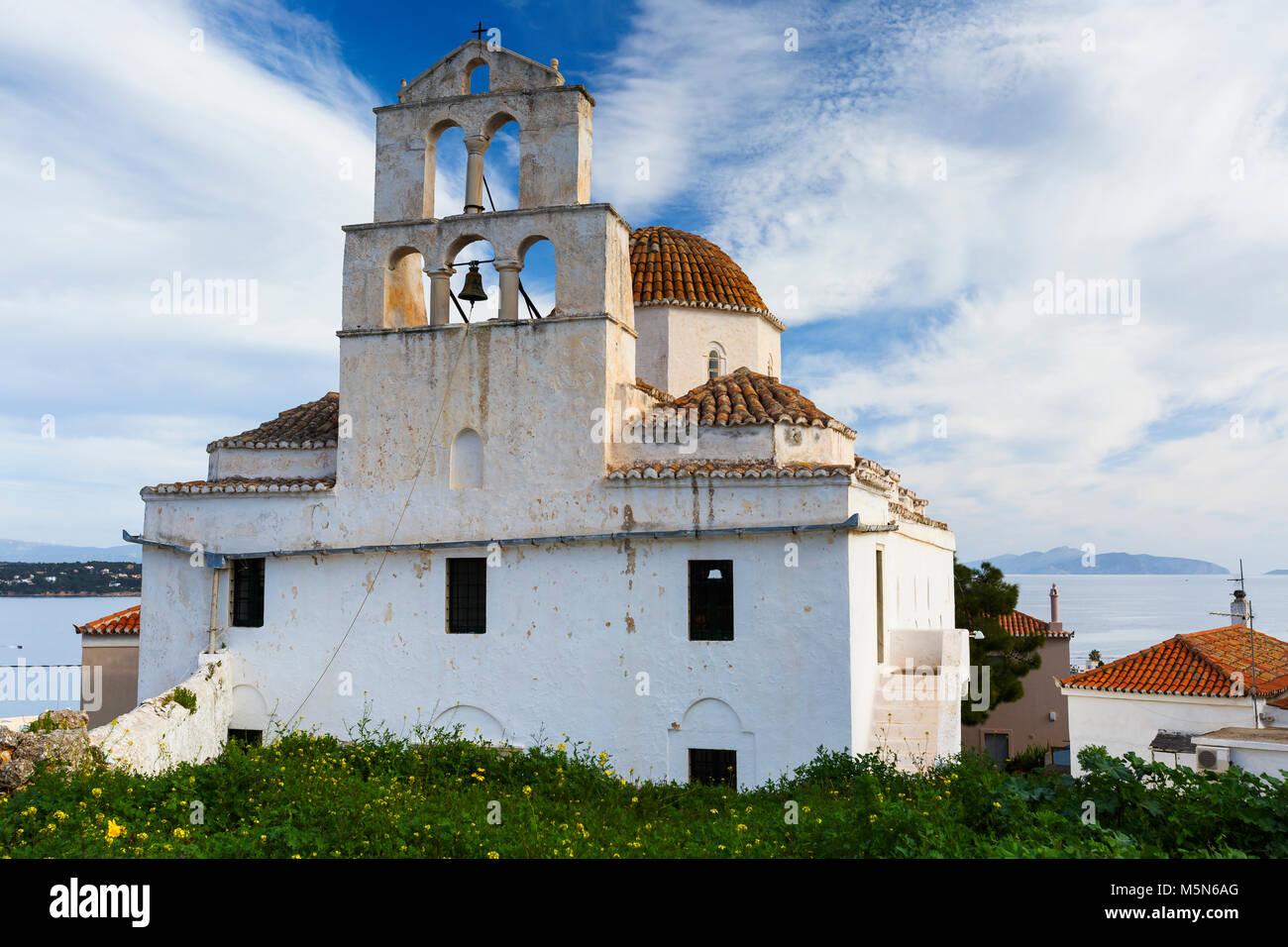 Eine der wichtigsten Kirchen in Spetses Village, Griechenland. Stockbild