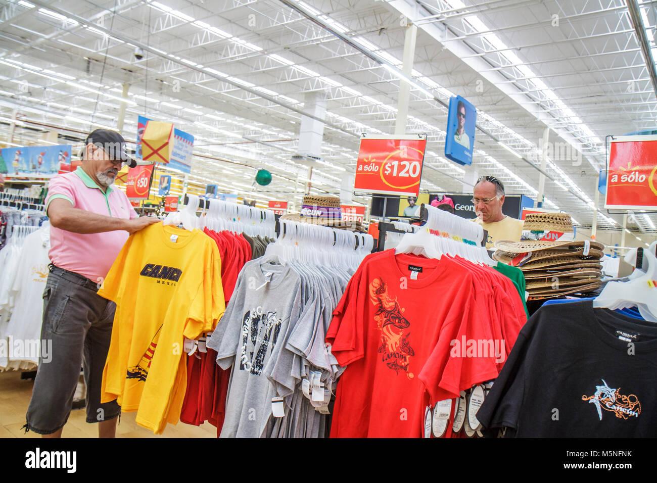Walmart Store Display Stockfotos & Walmart Store Display Bilder - Alamy