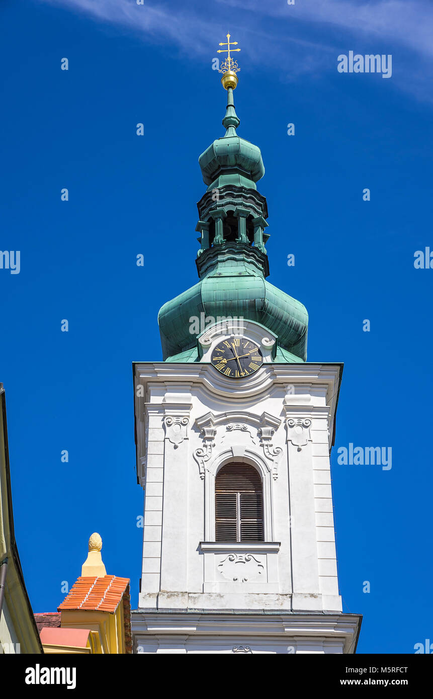 Klatovy, Tschechien - Weißen Turm, der Glockenturm der Pfarrkirche Archdean Kirche der Geburt der Jungfrau Stockbild