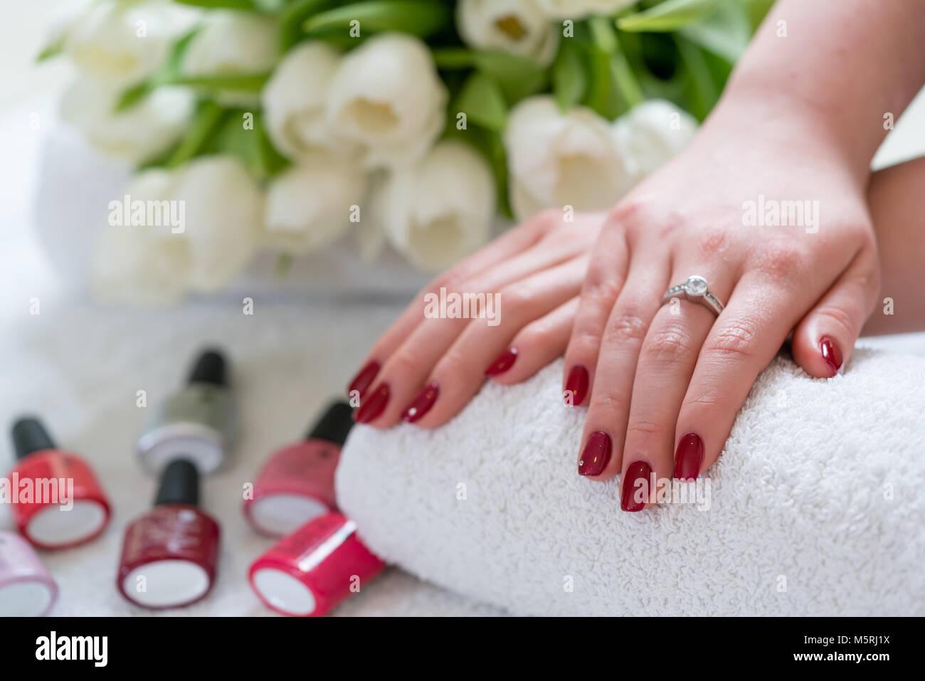 Red Polished Nails Stockfotos & Red Polished Nails Bilder - Alamy