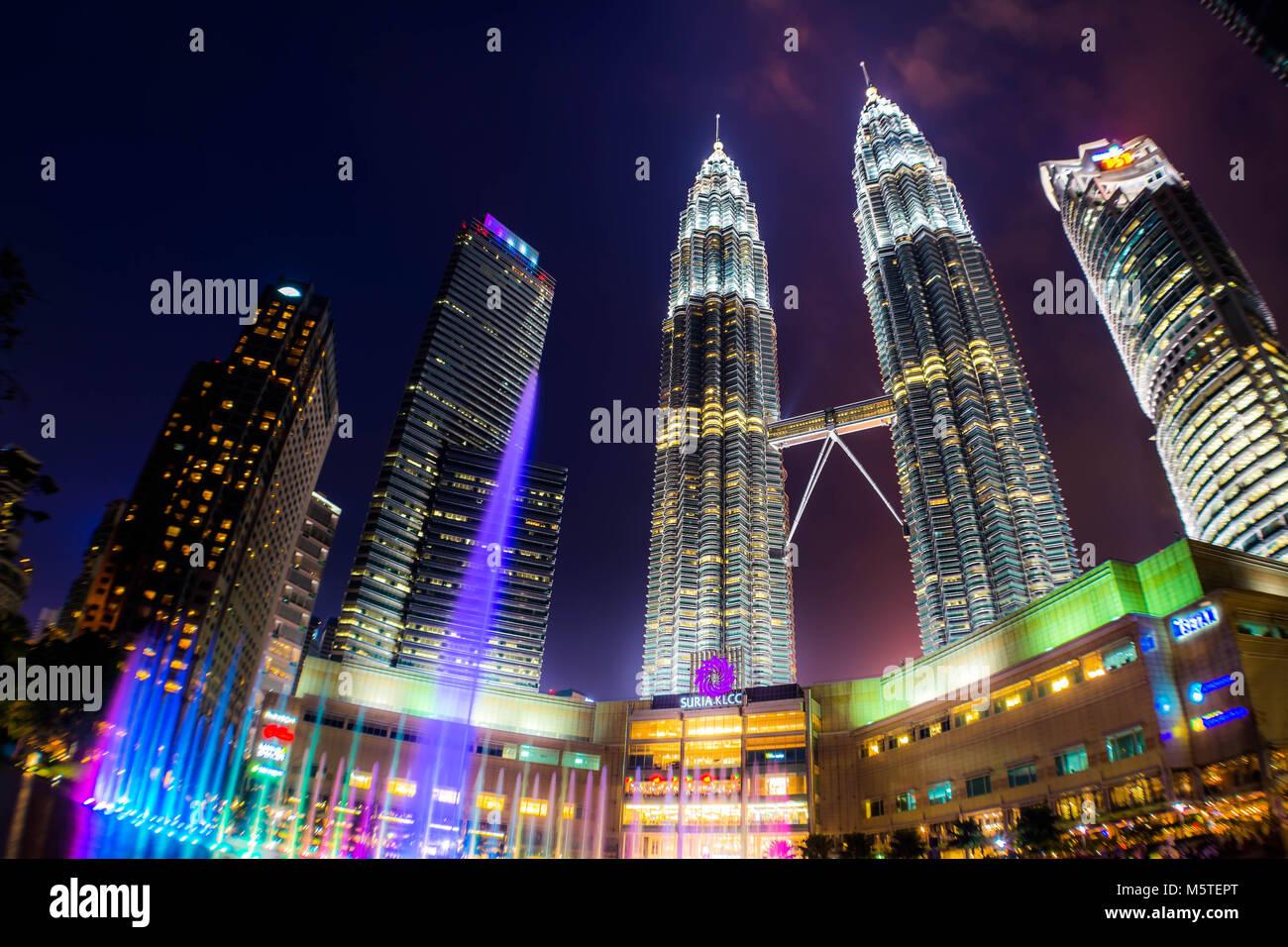Kuala Lumpur - Petronas Towers KLCC Park - Malaysia Stockbild