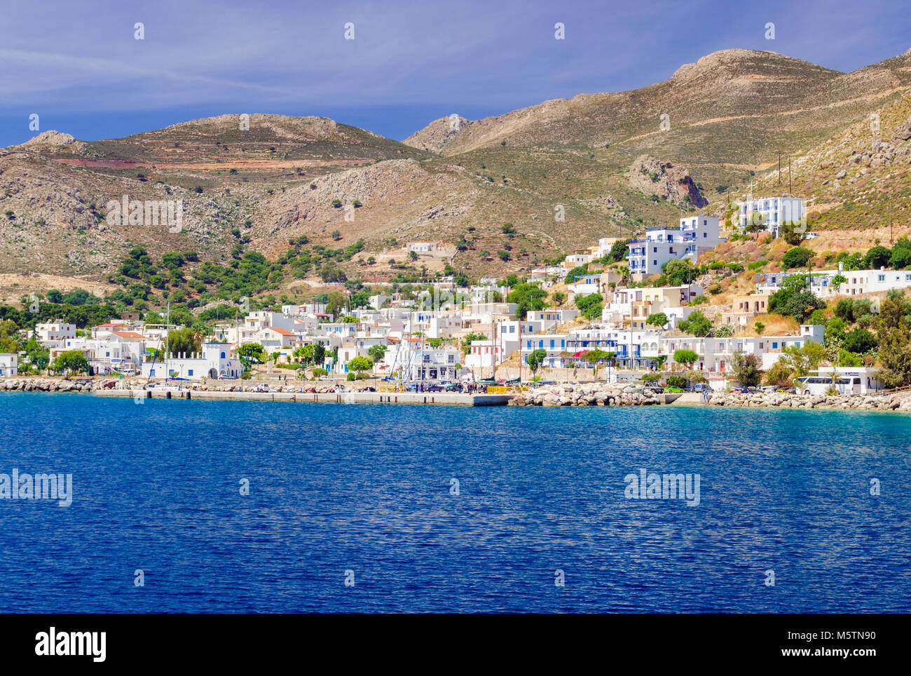 Livadia Port auf Tilos Island, Dodekanes, Griechenland Stockbild