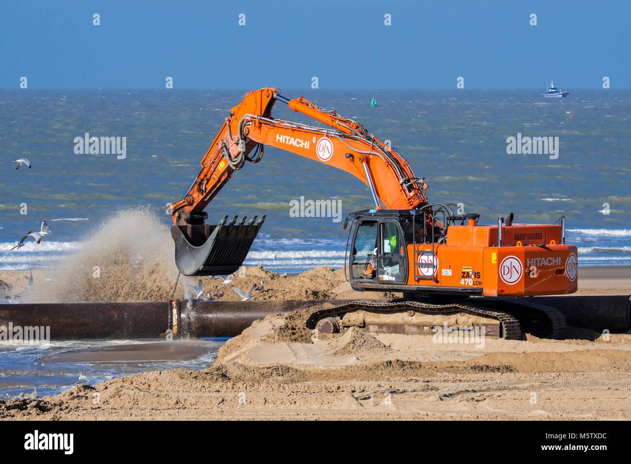 Hydraulikbagger Verbindungsleitungen der Pipeline Während sand Auffüllen/Strand Nahrung arbeitet an der Stockbild
