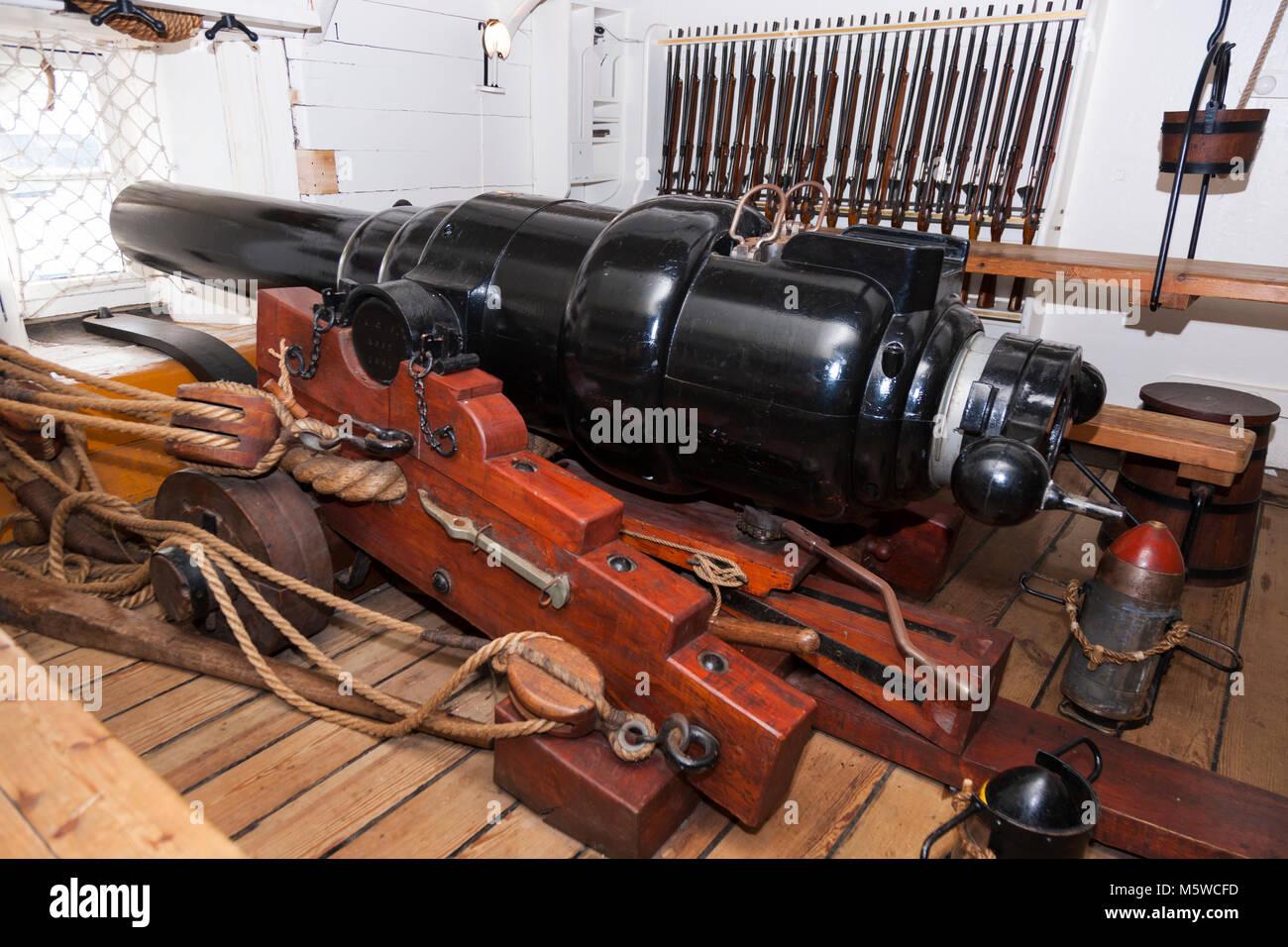 Gun decks stockfotos gun decks bilder alamy