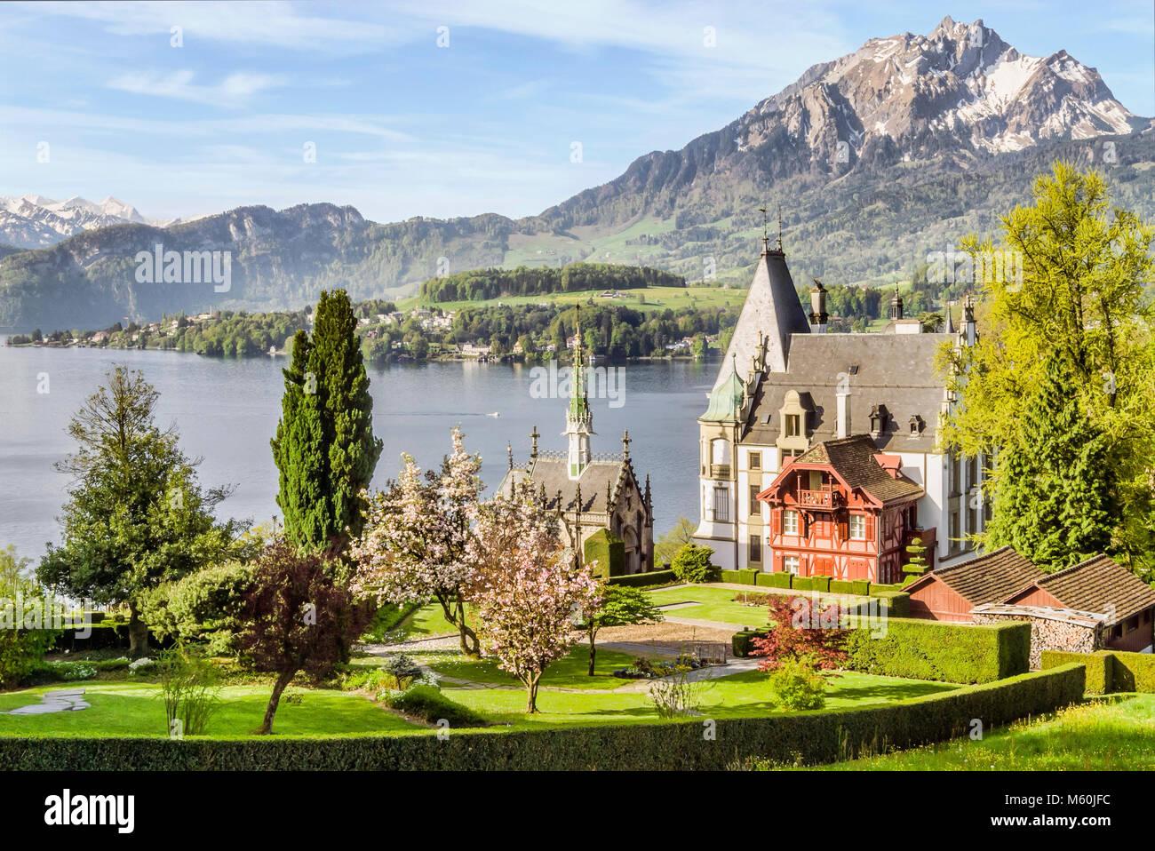 Schloss Meggen, eine Burg mit Blick auf den Vierwaldstättersee im meggenhorn in der Nähe von Luzern, Schweiz Stockbild