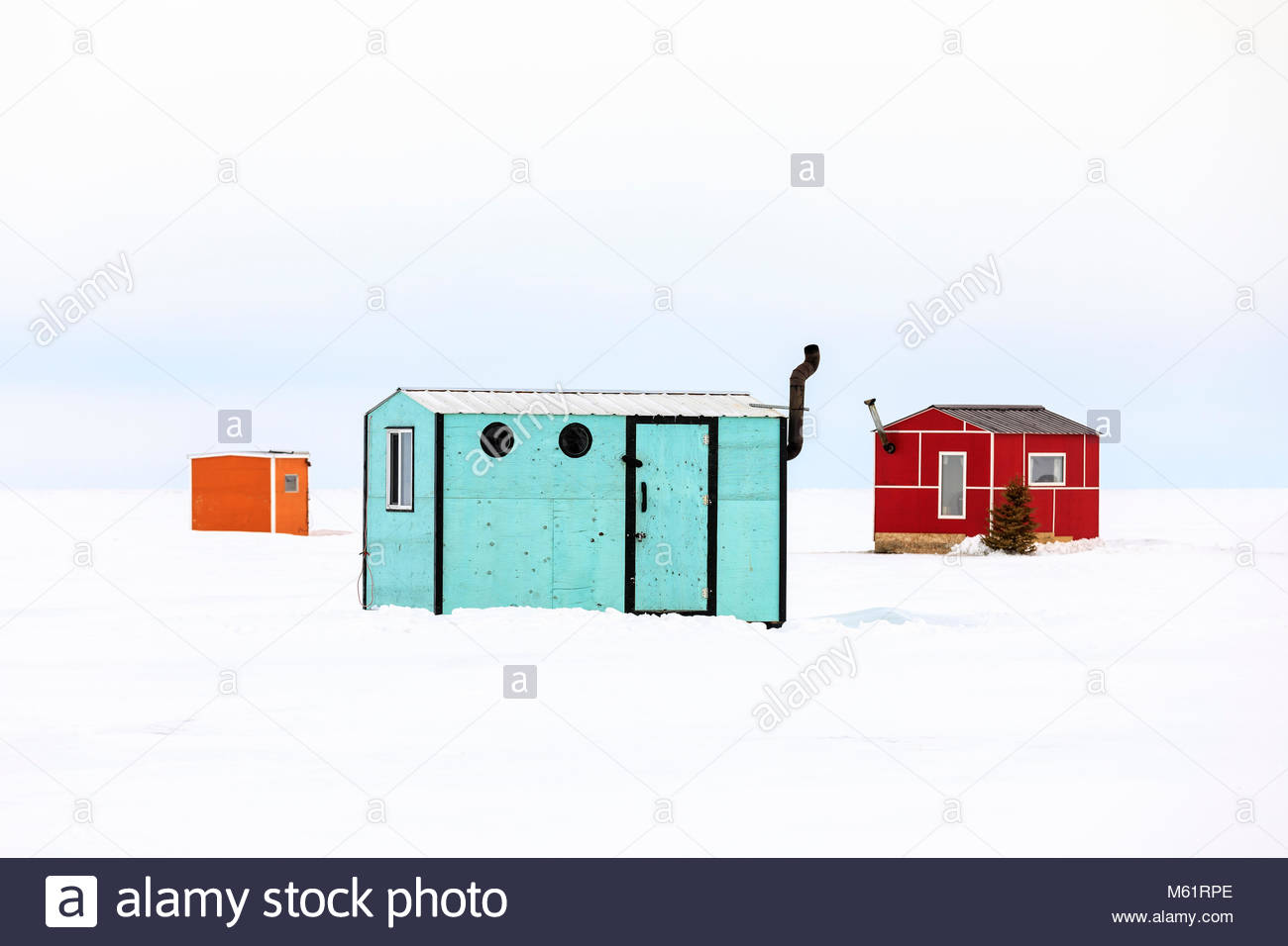 Bunte Eisfischen Hütten am Lake Winnipeg, Manitoba, Kanada Stockfoto ...