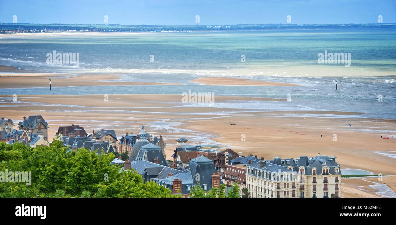 Der Strand Von Cabourg Normandie Frankreich Stockfotografie Alamy