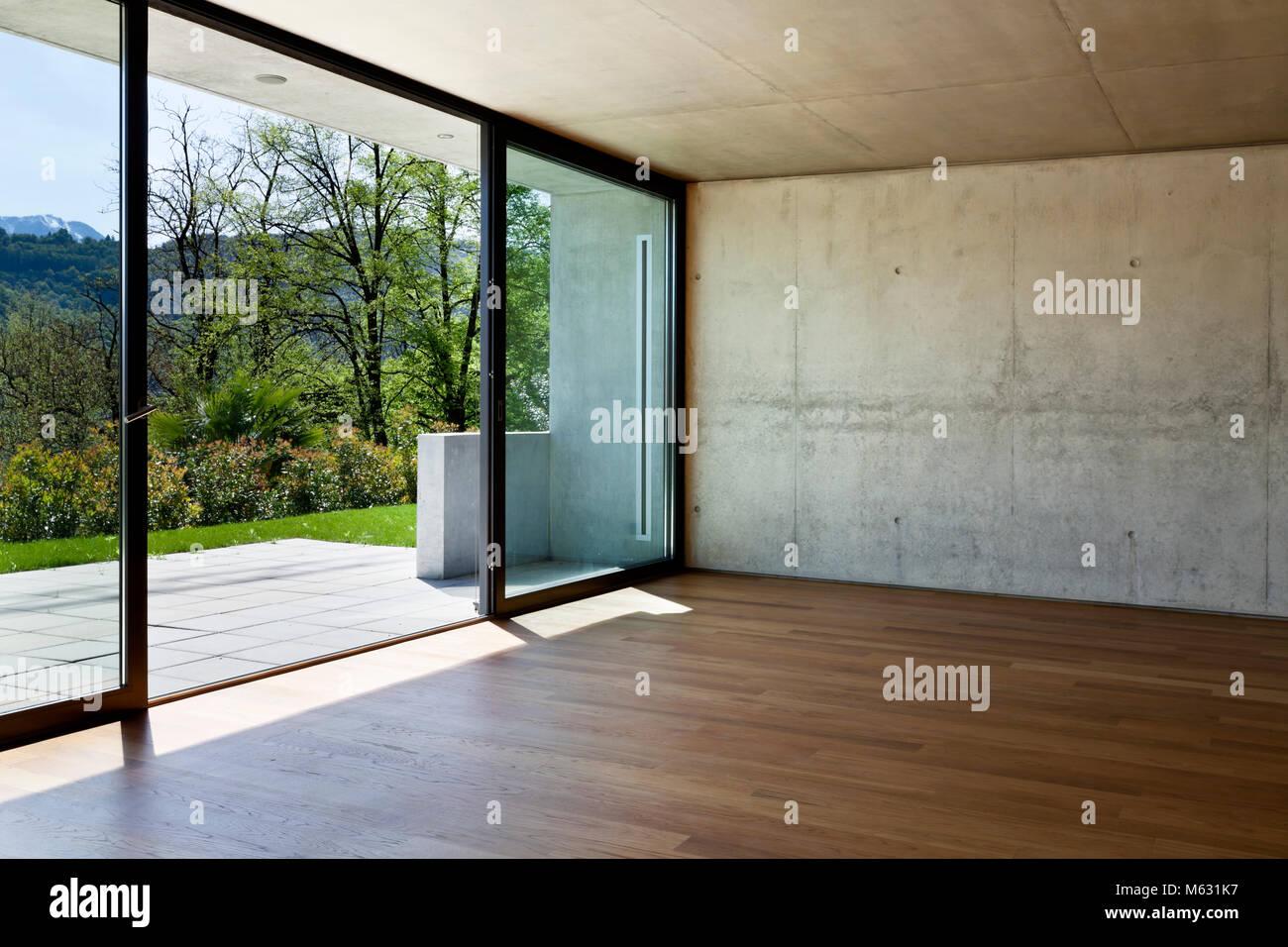 Moderne Beton Haus Mit Parkettboden Grosse Fenster Stockfoto