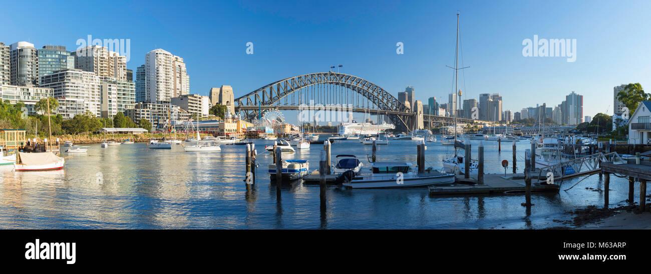 Sydney Harbour Bridge von Lavender Bay, Sydney, New South Wales, Australien Stockfoto