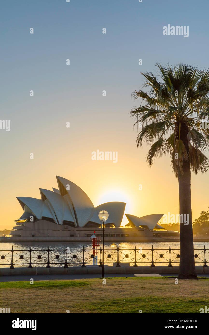 Sydney Opera House bei Sonnenaufgang, Sydney, New South Wales, Australien Stockbild