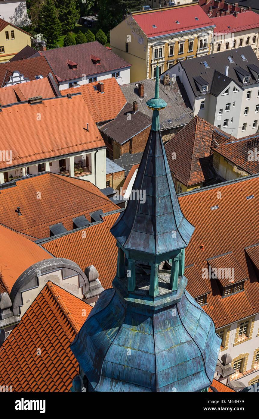 Klatovy, Tschechien - oben auf dem Rathausturm von oben betrachtet. Klatovy, Tschechien - Die Spitze des Rathausturms Stockbild