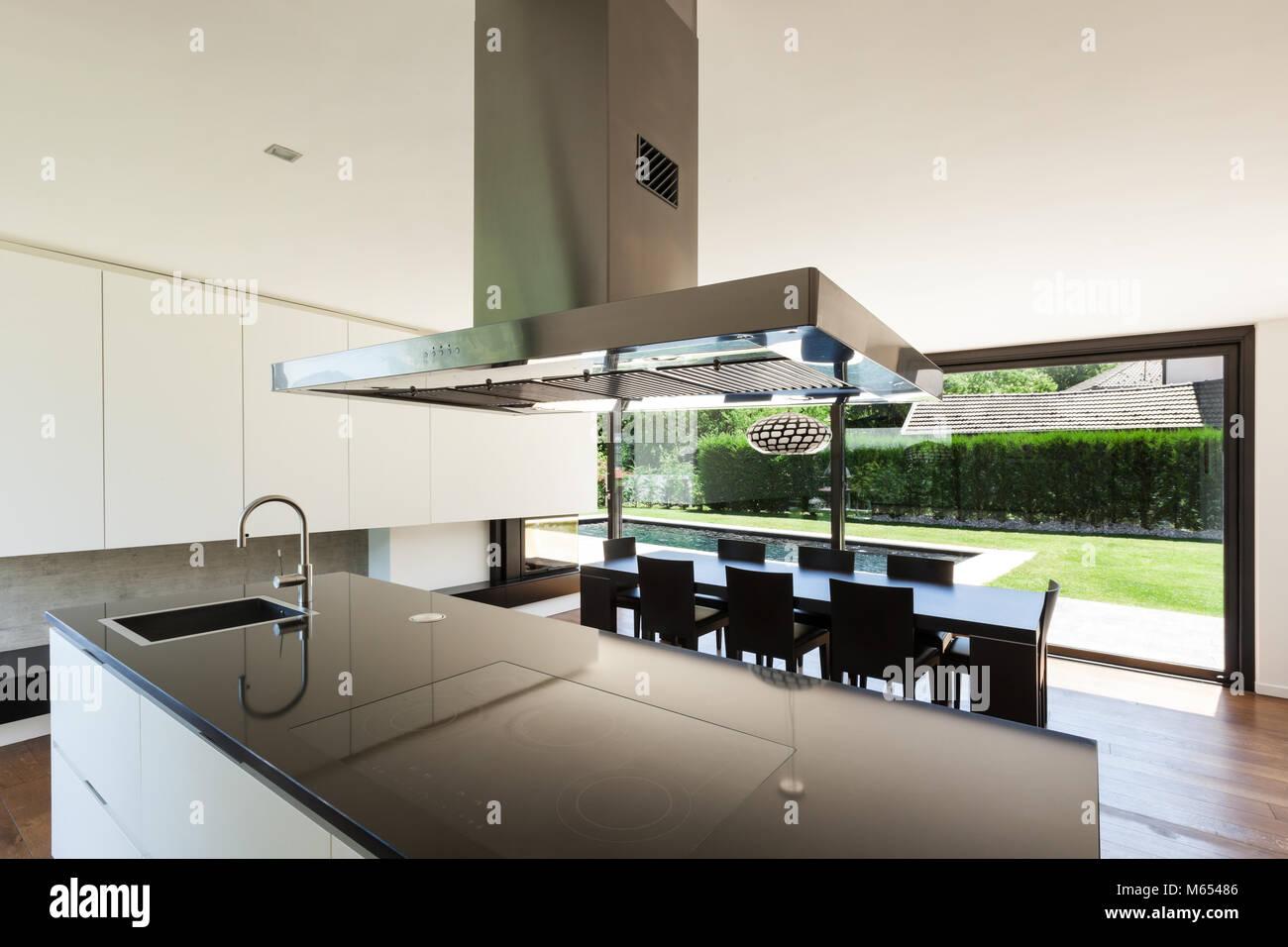 Moderne Villa, Interieur, schöne Küche Stockfoto, Bild ...
