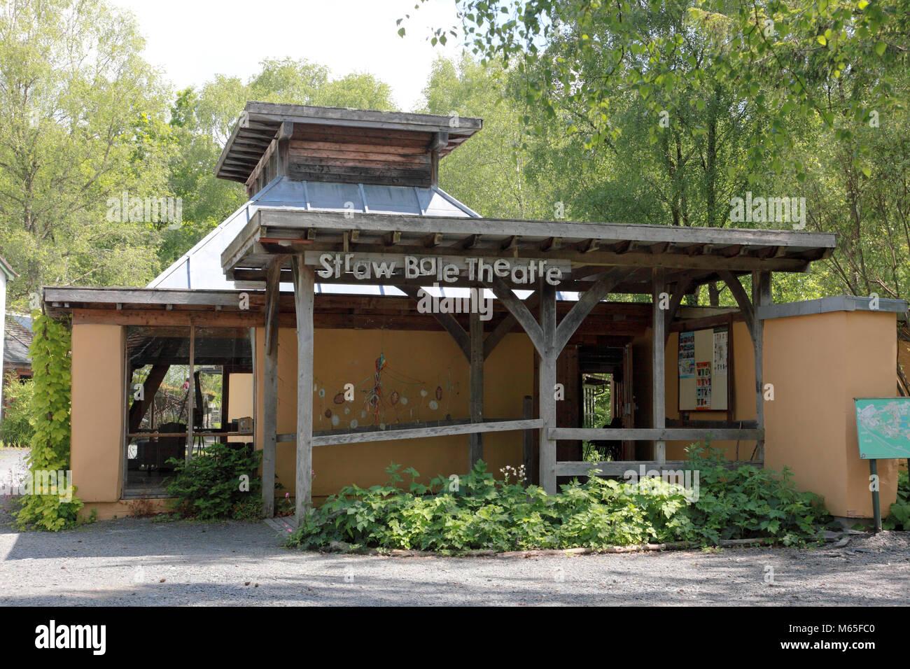 Die Strohballen Theater im Zentrum für Alternative Technologie, Petworth Stockbild