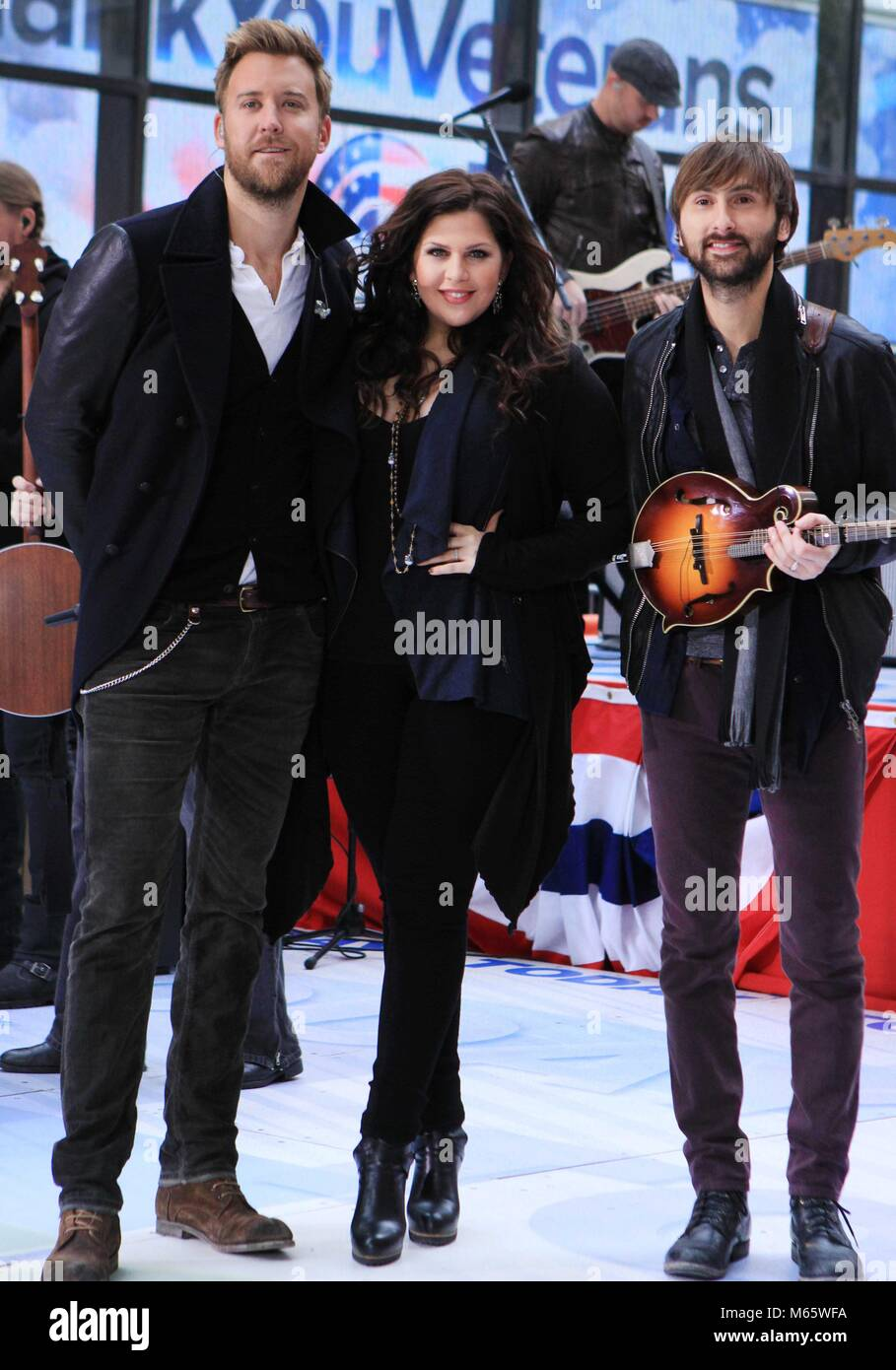New York City 2013 Datei foto Hillary Scott und Lady Antebellum Foto von John Barrett - PHOTOlink Stockfoto