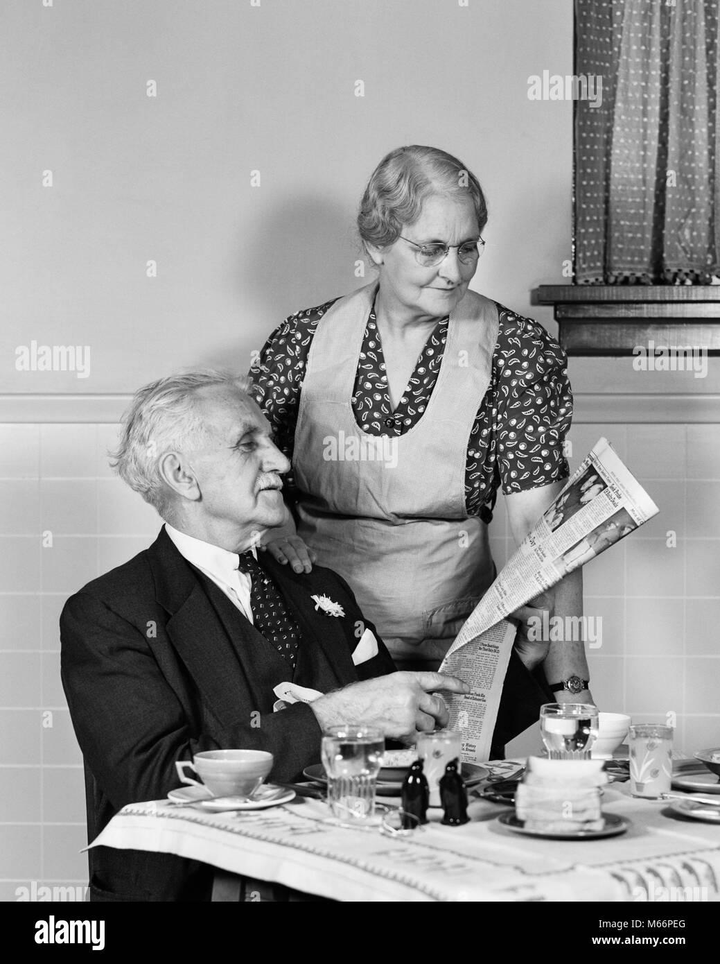 Älteres Paar mit altem Mann