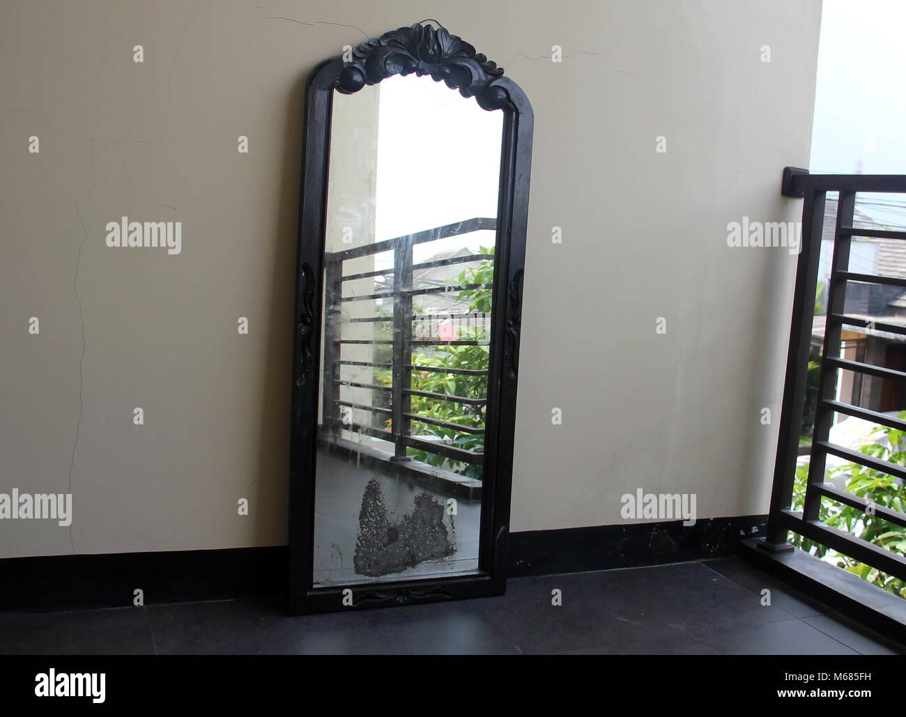 Ungewöhnlich Glas Gerahmte Spiegel Verkauf Ideen ...