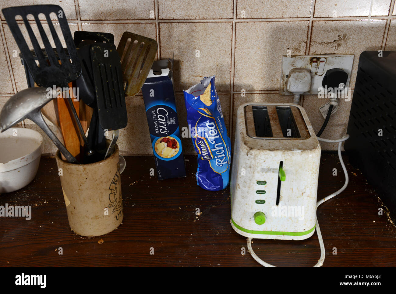Dirty Kitchen Stockfotos & Dirty Kitchen Bilder - Alamy