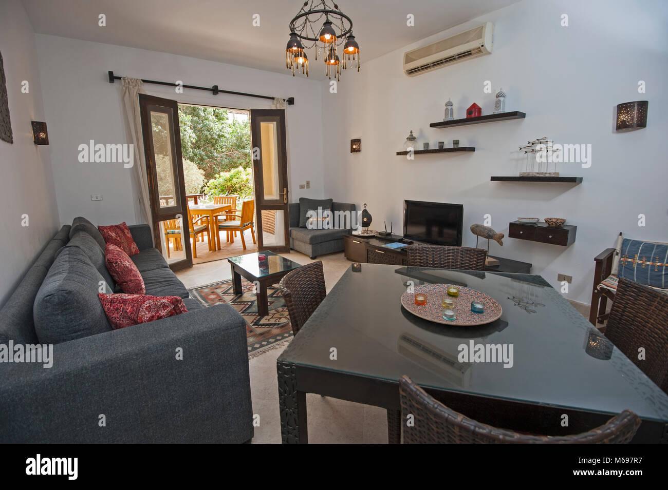 Wohnzimmer Wohnbereich In Luxus Villa Zeigen Home Übersicht Interior Design Einrichtung  Einrichtung Und Gartenblick