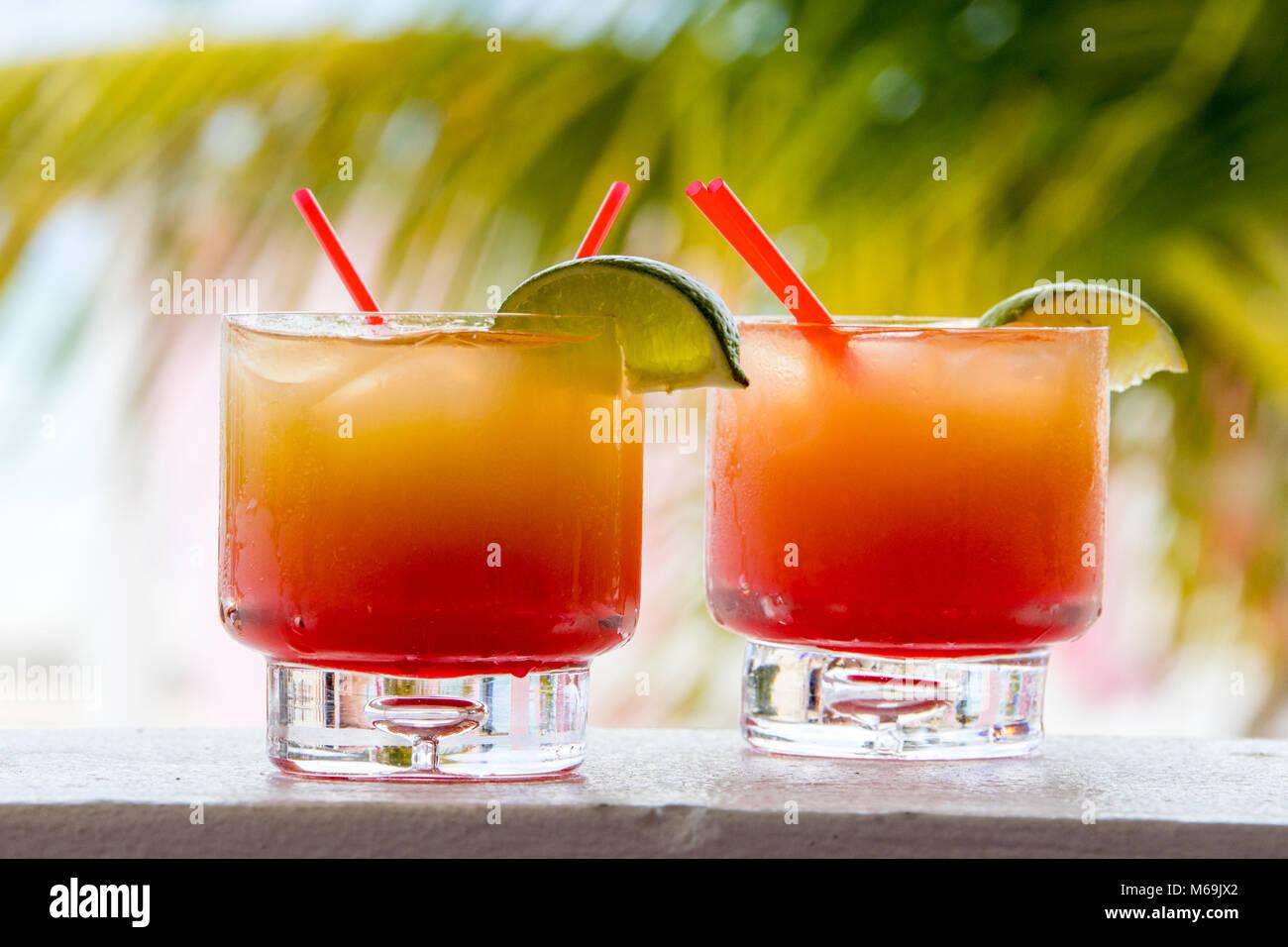 Tropical Rum Punch Stockfotos & Tropical Rum Punch Bilder - Alamy