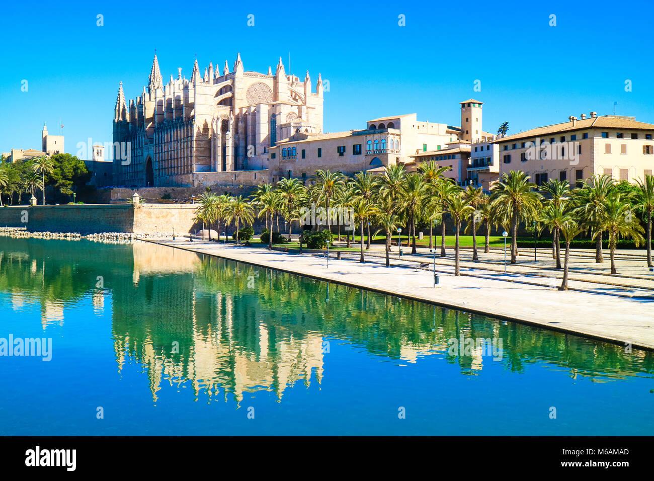 Palma de Mallorca, Spanien. La Seu - Die berühmten mittelalterlichen gotischen Kathedrale in der Hauptstadt Stockbild