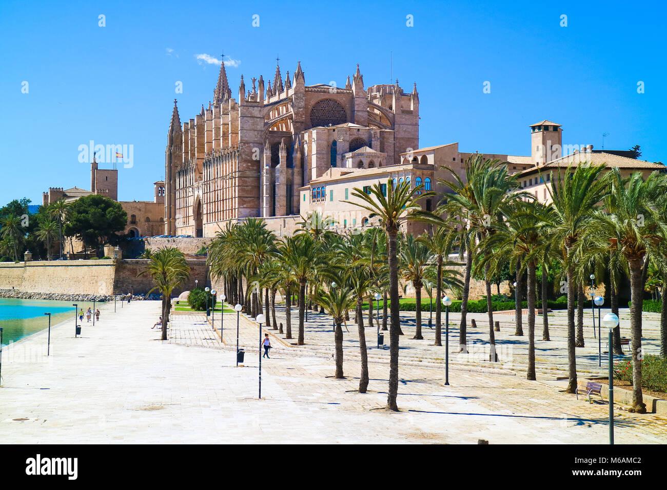 La Seu - Die berühmten mittelalterlichen gotischen Kathedrale in der Hauptstadt der Insel. Palma de Mallorca, Stockbild