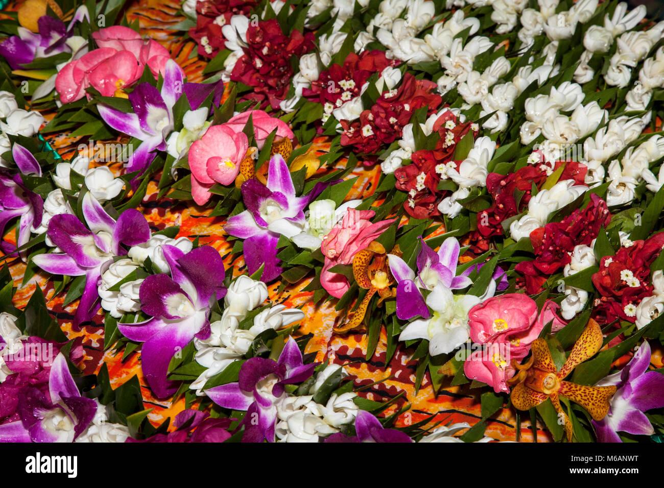 Blume Ketten, Blumen, Markthalle in Papeete, Tahiti, Französisch-Polynesien Stockbild