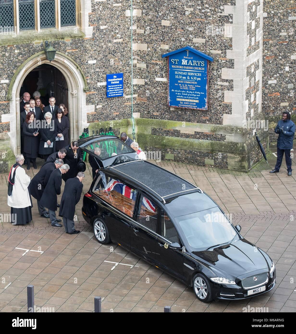 Nach Ihrer Beerdigung Stockfotos Nach Ihrer Beerdigung Bilder Alamy