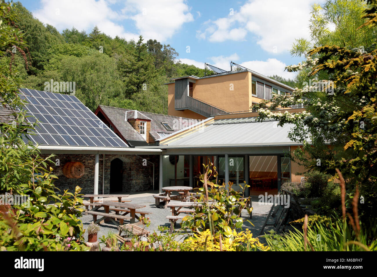 Das Café und die Weisen Gebäude, Wales Institut für Nachhaltige Bildung, Zentrum für Alternative Stockbild