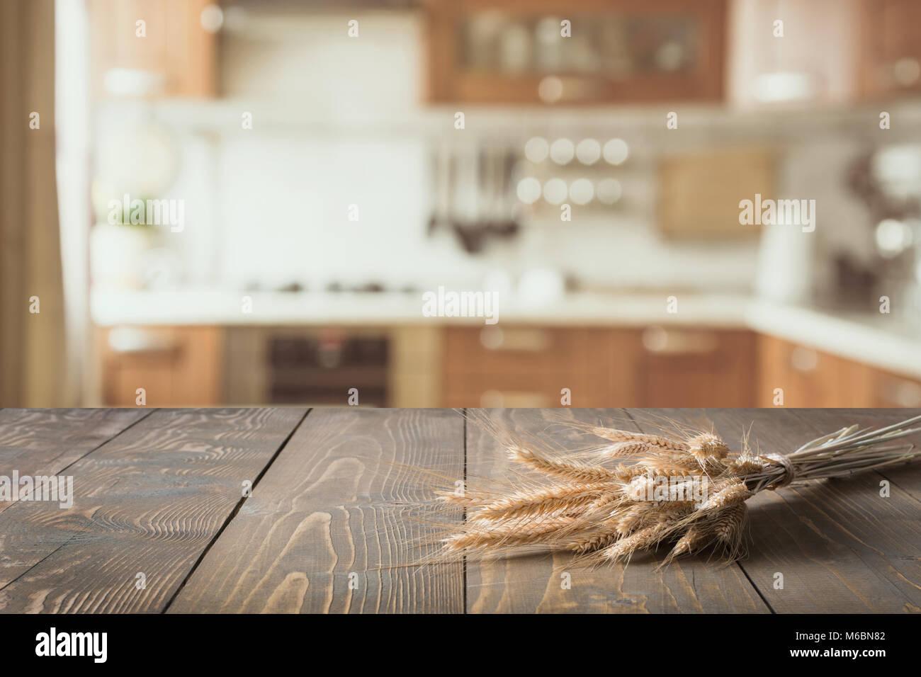 Zusammenfassung Hintergrund verschwommen. Moderne Küche mit ...