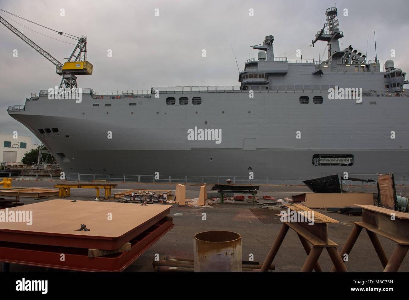 """Saint Nazaire, """"vladivostock"""" russischen Flugzeugträger der STX Werften gebaut. Frankreich. Stockbild"""