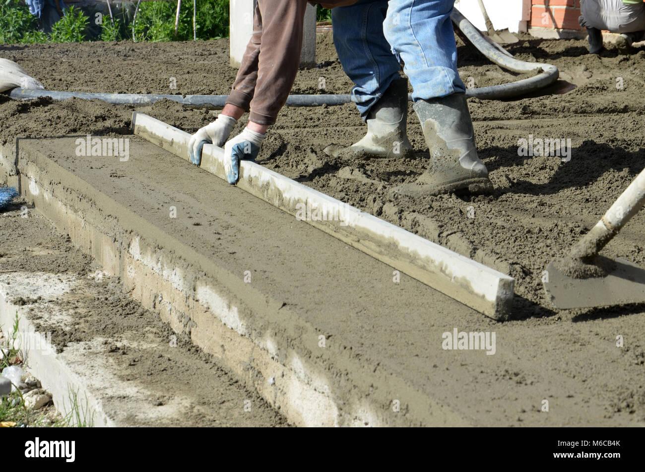 Fabelhaft Bild eines Betonieren der Boden von einem neuen Haus Stockfoto &YP_48