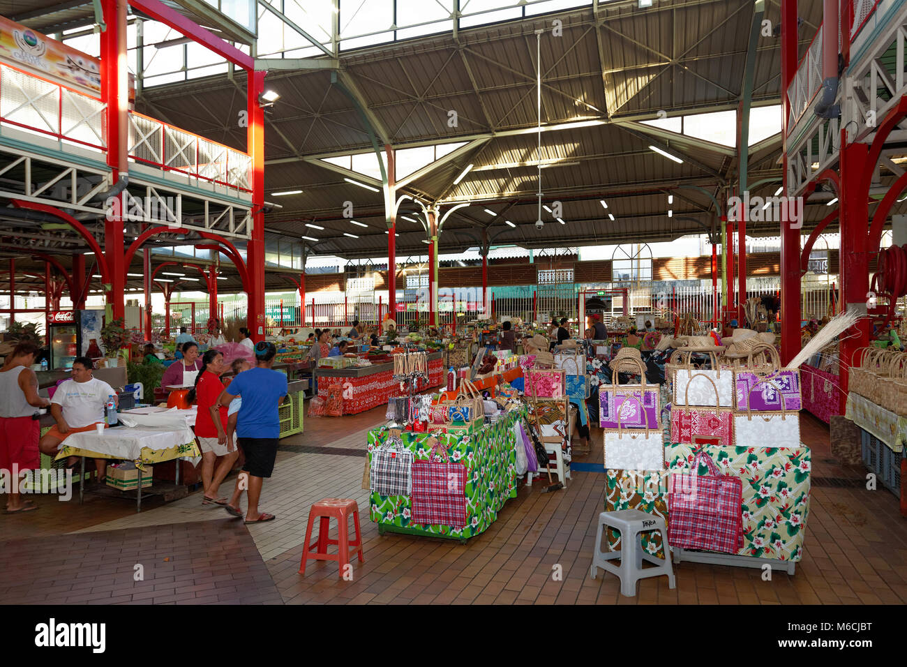 Markthalle in Papeete, Tahiti, Französisch-Polynesien Stockbild