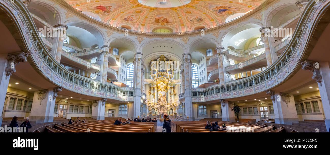 Im Panoramablick auf die Kuppel der Frauenkirche in Dresden, Deutschland, eine der Hauptattraktionen der Stadt. Stockbild