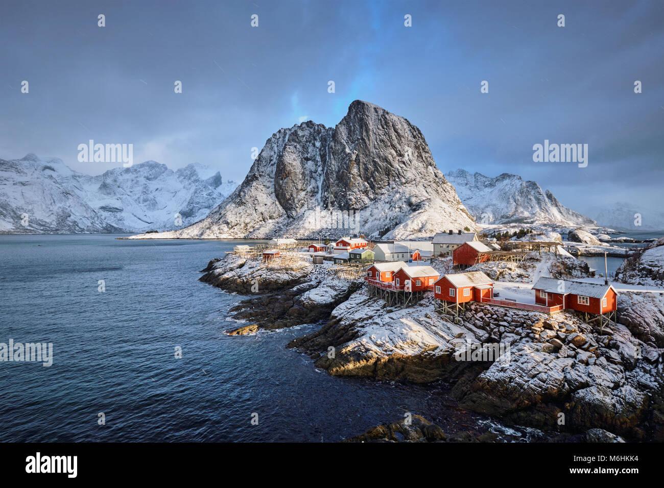 Fischerdorf auf Hamnoy Lofoten Inseln, Norwegen Stockbild