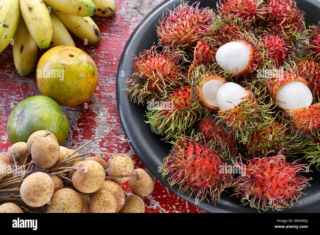 Bunte, exotische Früchte Stockbild