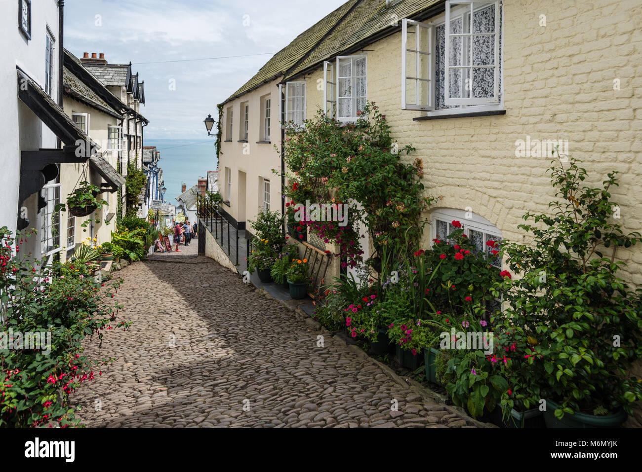 Clovelly und seine schmalen, steilen gepflasterten Straße North Devon, Großbritannien Stockbild