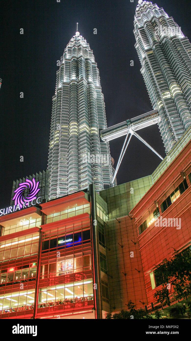 Suria Shopping Mall, Petronas Towers, Kuala Lumpur City Centre (KLCC), Kuala Lumpur, Malaysia Stockbild