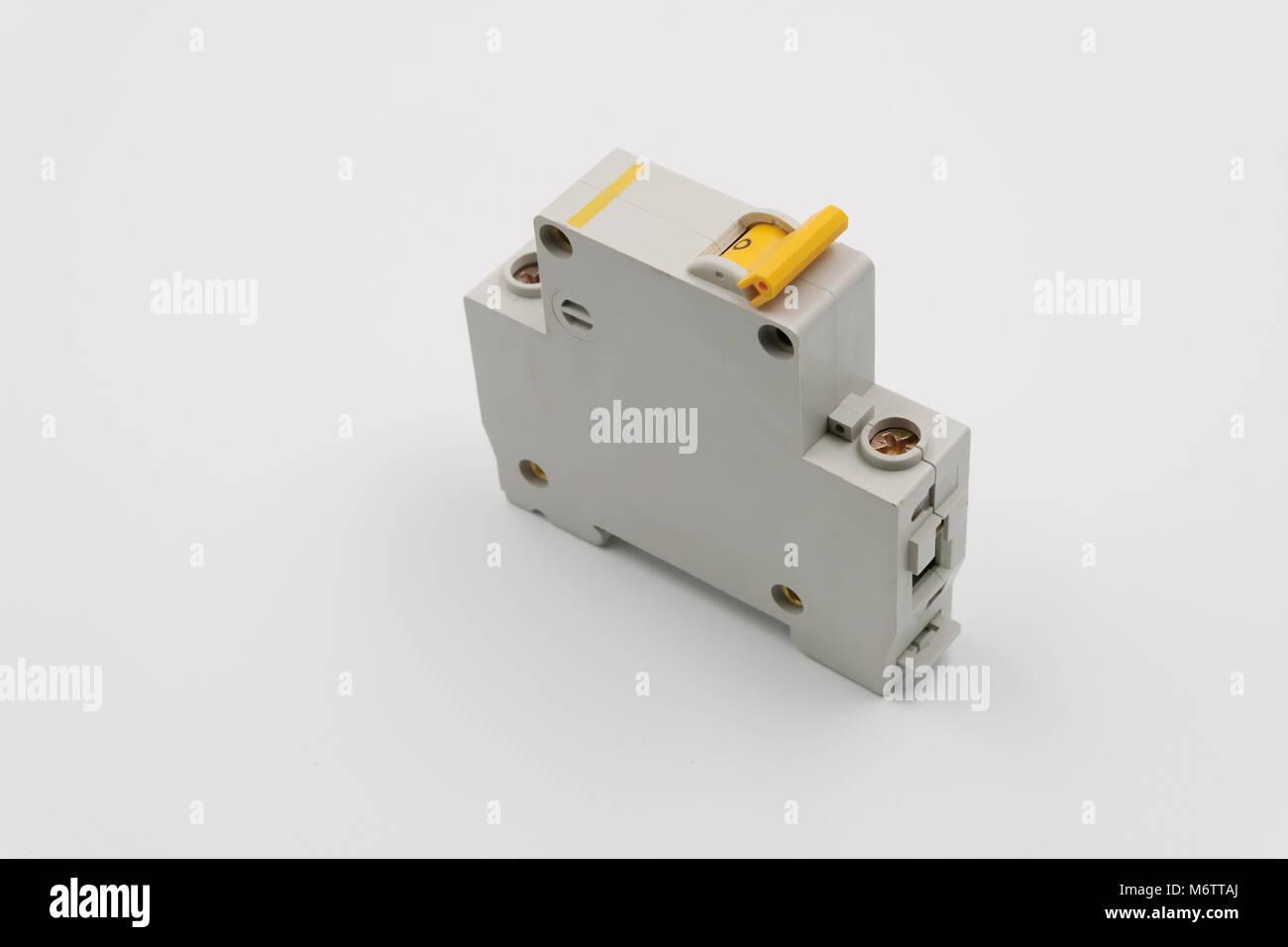 Charmant Elektrische Leistungsschalter Fotos - Der Schaltplan ...