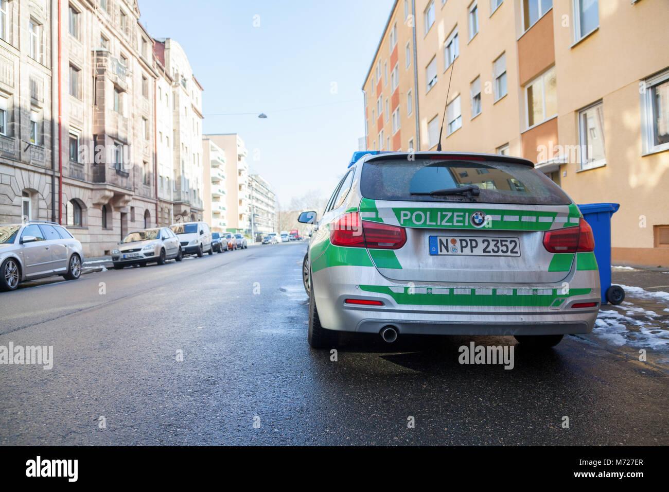 Fürth/Deutschland - März 4, 2018: Deutsche Bayerische Polizei Auto steht auf der Straße in einem Stockbild