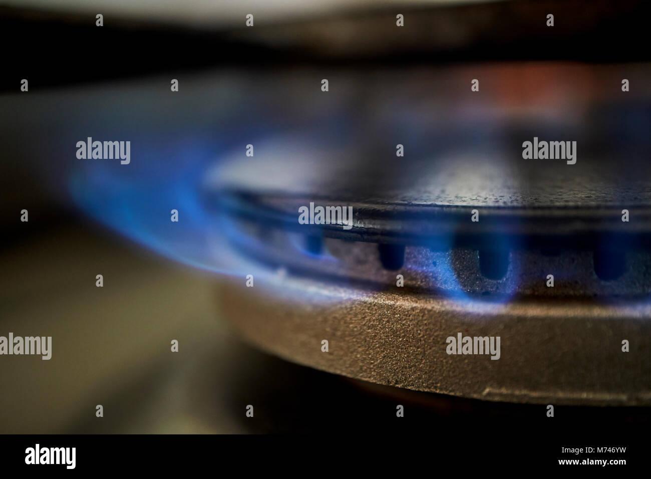 Gas Ring Brennen Auf Der Kuche Herd Mit Naturlichen Paspeliertem