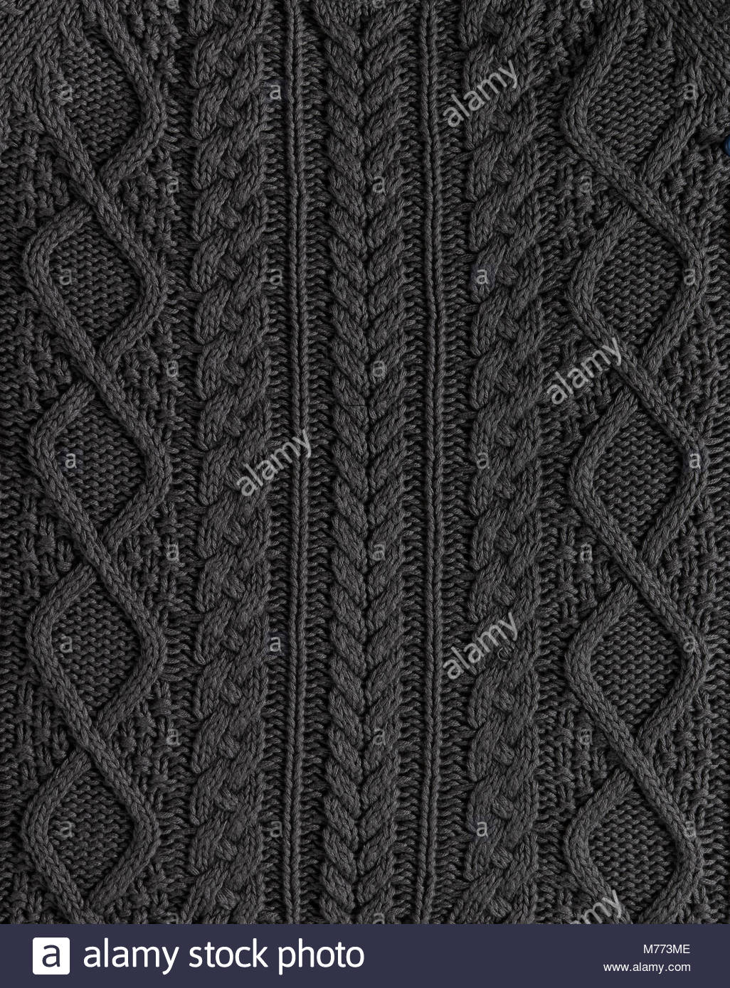Cable Knitting Stockfotos & Cable Knitting Bilder - Alamy