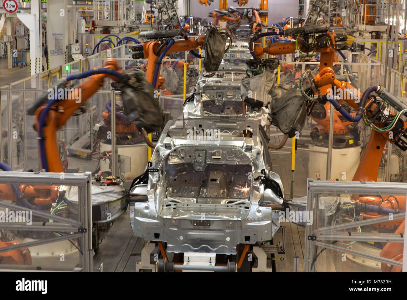 Volkswagen Arteon Stockfotos & Volkswagen Arteon Bilder - Alamy